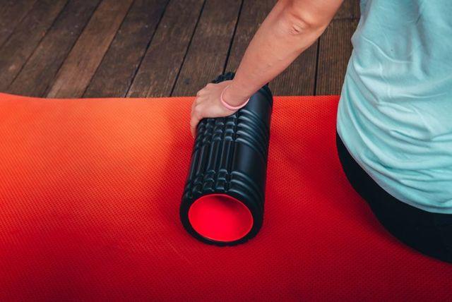 Cvičení s pěnovým válcem (foam roller) – jak na to + TOP cviky