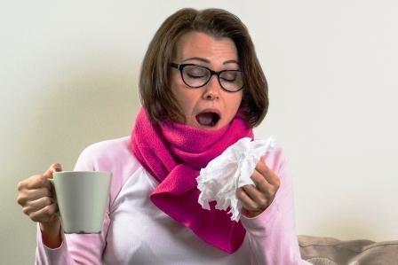Česnekový čaj a jeho vliv na zdraví – proč si ho dát + recept na čaj