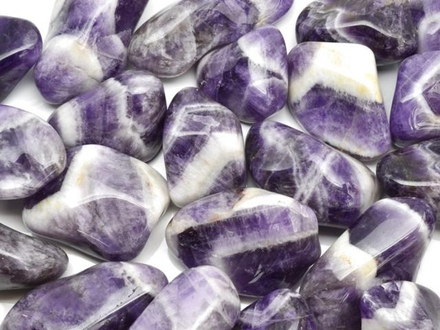 Selenit a jeho účinky na zdraví – jak vám může tento kámen pomoci?