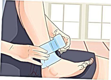 Co je to kineziologická páska a jak ji použít proti bolestem?