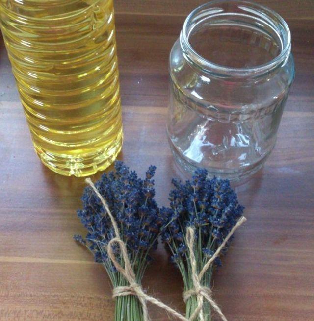 Jak si doma vyrobit levandulový olej?