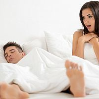 Priapismus (dlouhotrvající a bolestivá erekce) – příznaky, příčiny a léčba