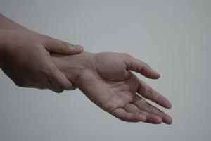 Radikulopatie (radikulitida) – skřípnutý nerv v oblasti páteře – příznaky, příčiny a léčba