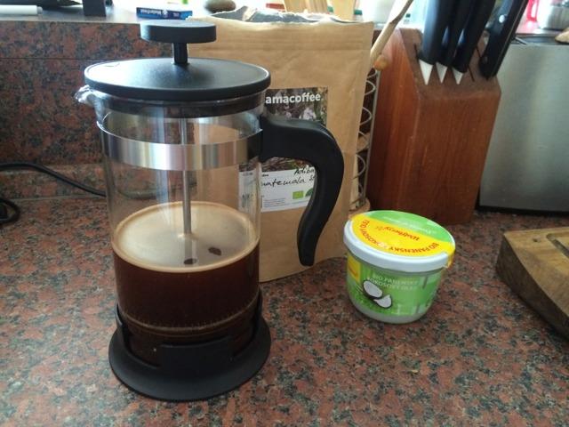 Neprůstřelná káva neboli bulletproof coffee – co je to, jaké má účinky a vliv na zdraví?