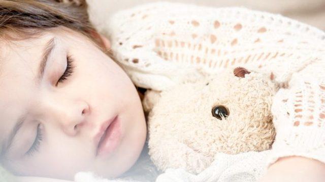 Jak je to se sny? Proč je zapomínáme? Je možné spát bez snů? Zdá se mi něco každou noc a zapomenu to?