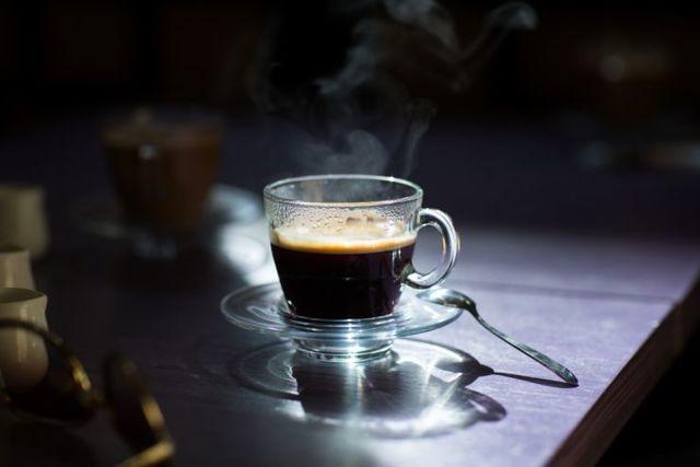 10 účinných tipů, jak porazit závislost na kofeinu