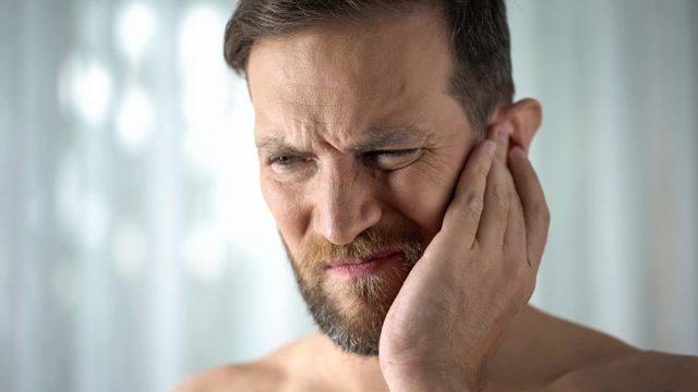 Trojklanný nerv a jeho bolest (Trigeminal neuralgia, neuralgie trojklanného nervu) – příznaky, příčiny a léčba