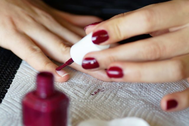 Mytí rukou: Nezapomínejte na nehty a zápěstí