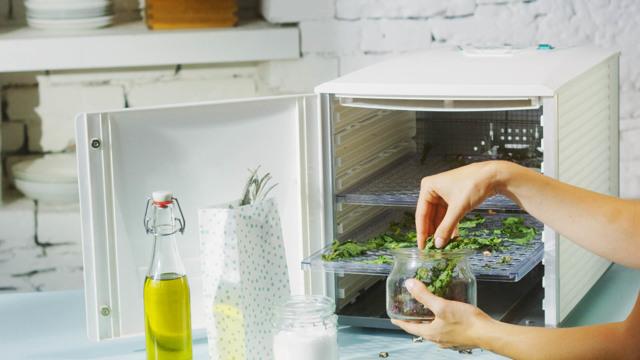 Bylinky do vody rozmixujte, chuť bude intenzivnější