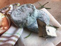 Plísňové sýry: Včem se liší camembert a hermelín