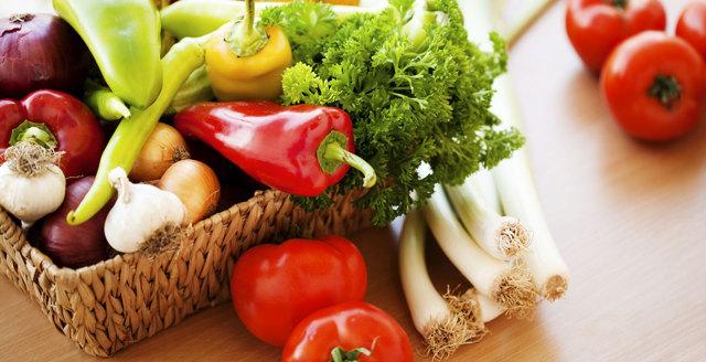 Správně jíst neznamená počítat kalorie, říká odborník navýživu