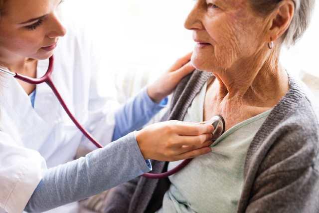Málokdo pozná příznaky poruchy štítné žlázy