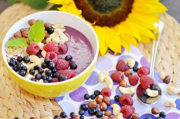 Rostlinný nápoj místo mléka? To není krok ke zdraví