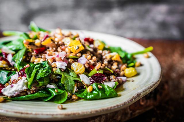 5netradičních zdravých rostlin: chia, quinoa, karob, špalda, shiitake