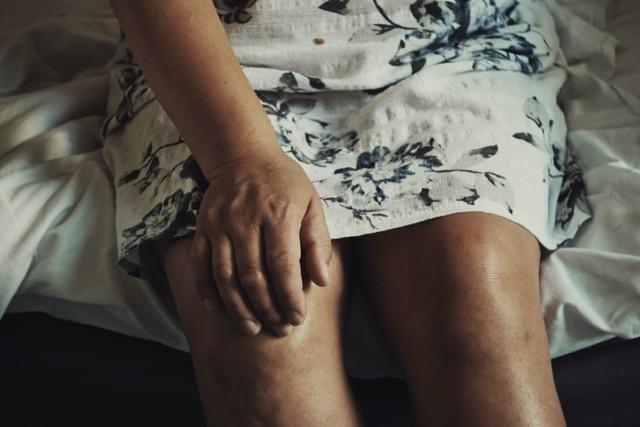 Konopí je při artritidě dostupné jen v případě bolestí. Dokázalo by víc?