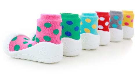 Vybíráte dětské boty? Metoda mačkání palce nefunguje