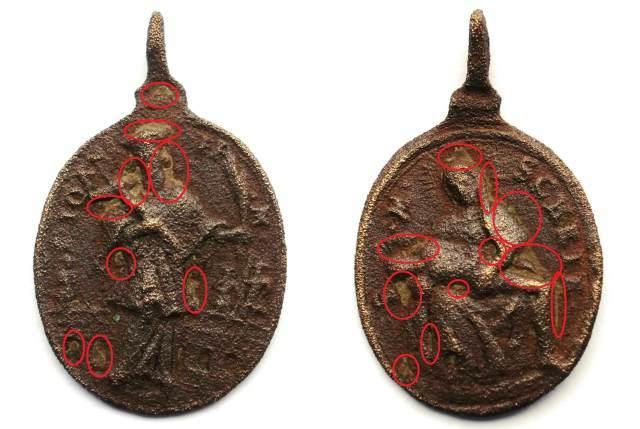 Čokoládové mince se vyrábějí podobně jako ty kovové