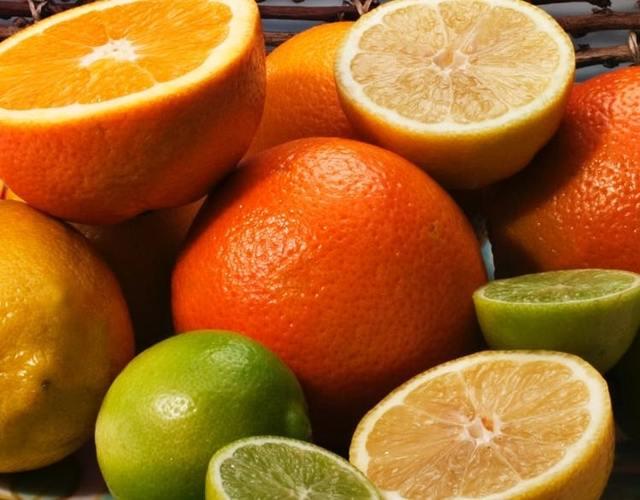 """Recepty sjahodami: mají víc """"céčka"""" než pomeranče"""