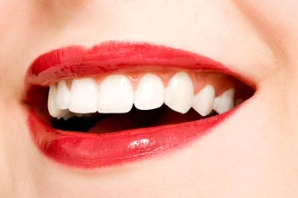 10nejlepších pomocníků pro bílý úsměv