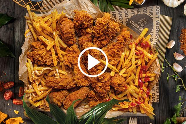 Včem se obaluje kuře KFC, že tak křupe? Cornflaky to nejsou