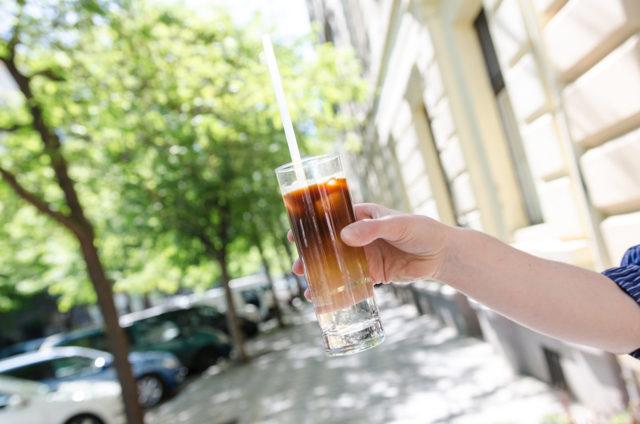 Hit léta? Cold brew, káva 12hodin extrahovaná za studena