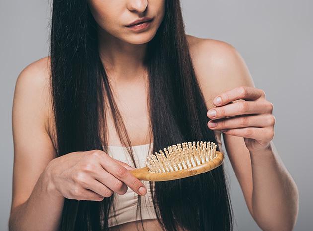 Poraďte si spadáním vlasů