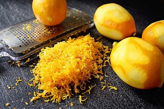 Kůra zběžných citronů není na pečení vhodná