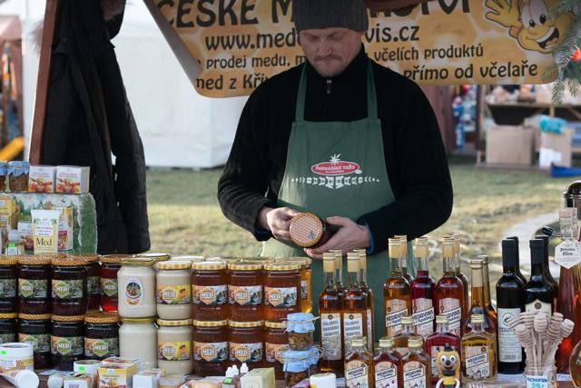 Na farmářských trzích byl opakovaně falšovaný med