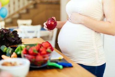Maminky, nevěřte všemu. Co se vtěhotenství opravdu nemůže?