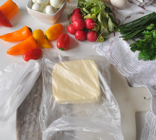 Sýru není nejlépe vlednici, a už vůbec ne vsáčku