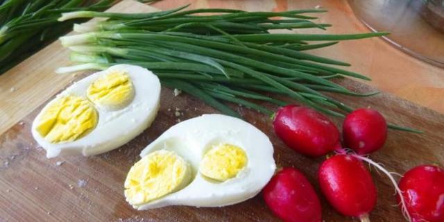 Barva žloutku okvalitě vejce nic neříká