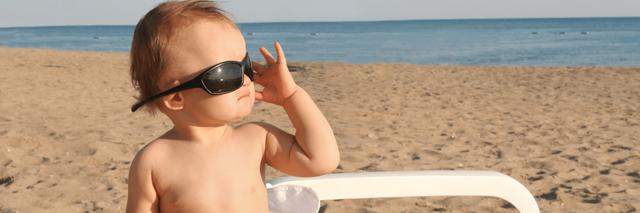 Dětem do dvou let sluneční brýle nekupujte. Leda kmoři