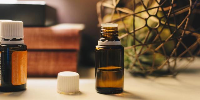 Vnitřní užití esenciálních olejů? Lidé nemají rozum