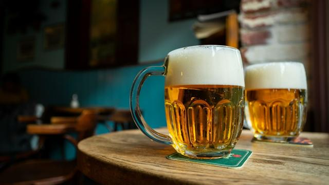 Nealkoholické pivo je stále oblíbenější, na trhu je už 30 značek
