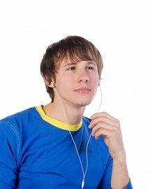 Sluchátka v uších chodců jsou nebezpečná