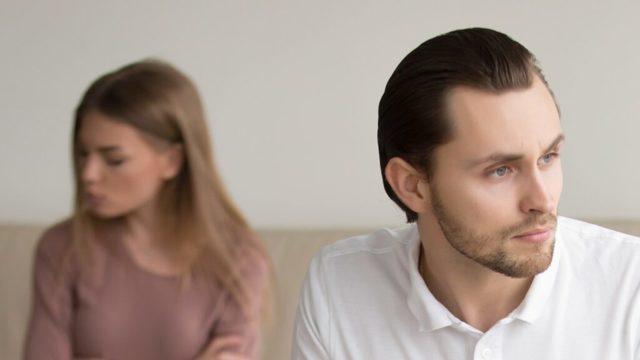 Partner se nemyje a smrdí