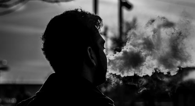 Po dlouhých výzkumech je jasno. Kouření víc zabíjí muže