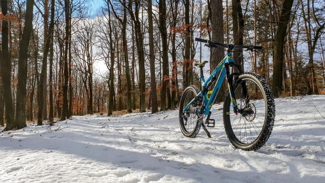 V zimě na kolo? Jde to, ale musíte se dobře připravit