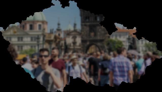 Do Česka přijíždí méně turistů