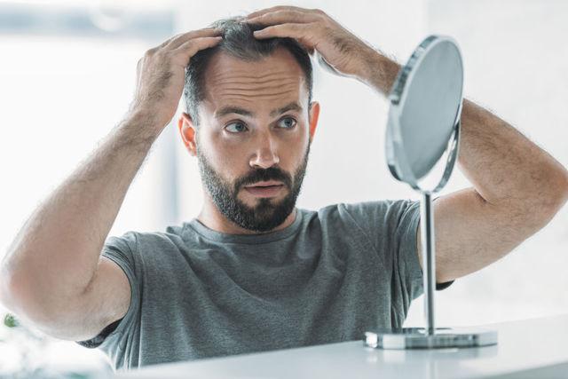 Proč vám padají vlasy?