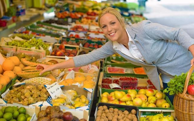 Zboží na farmářských trzích je kvalitnější, ale také předražené, myslí si zákazníci