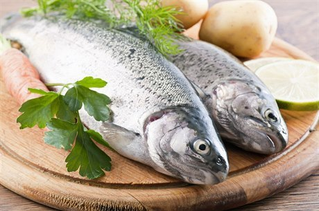Mražené ryby obsahují vodu i přídatné látky
