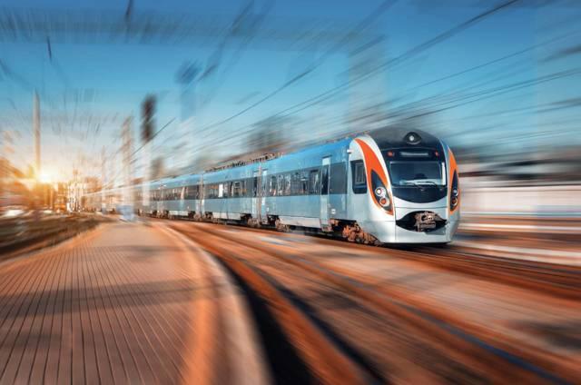Po Evropě autem, busem, letadlem či vlakem? Srovnání cen