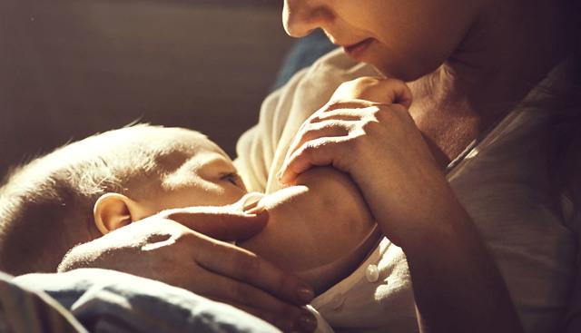 Jak probíhá porod a co při něm dělat?