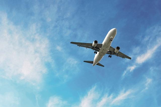 Celkem 12% Čechů letí na dovolenou letadlem