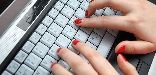 Češi stále častěji nakupují zájezdy přes internet