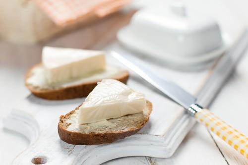 Tavené sýry už nepatří na pranýř