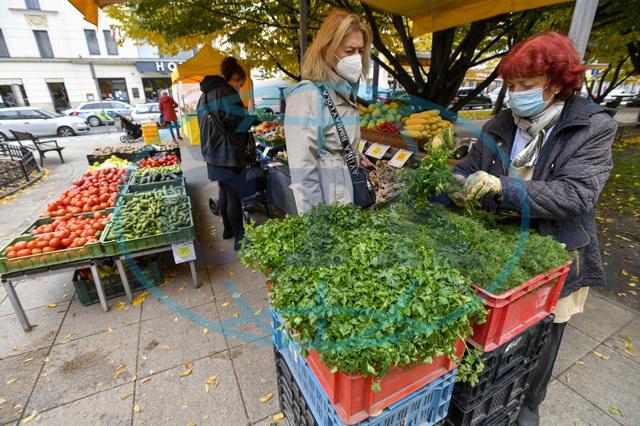 Farmářské trhy - na Františku začaly prázdniny, ale jinde se prodává dál
