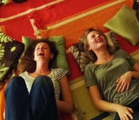 Jóga smíchu nerozlišuje mezi předstíraným a skutečným smíchem