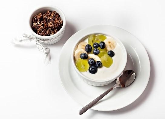 Ovoce do jogurtů se nepěstuje, ale vyrábí